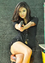 pretty-lao-girl-with-a-gun-4a.jpg