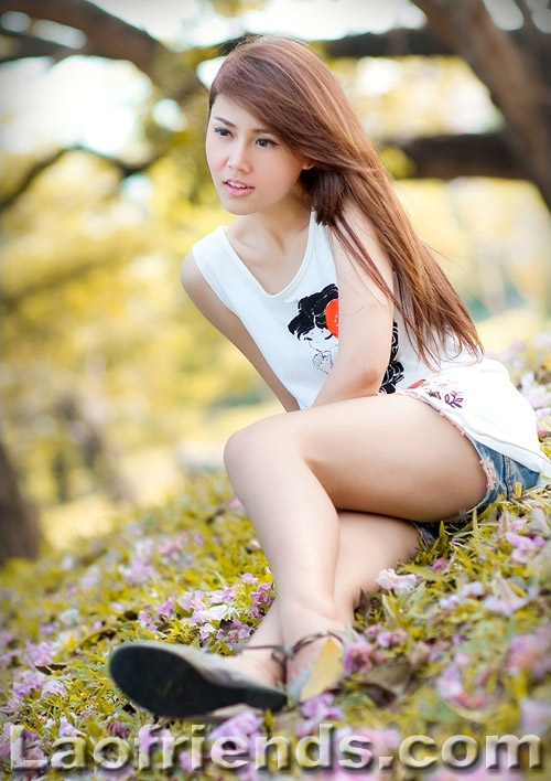Teen Lao girl
